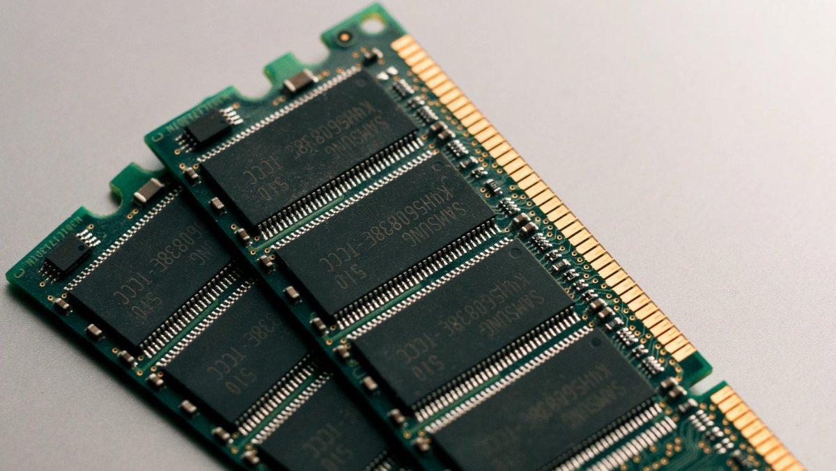 RAM components